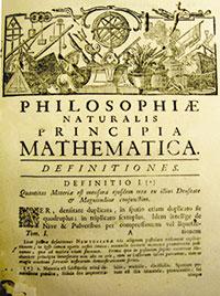 Primera pàgina dels Principia Mathematica en una edició del 1739 que es conserva en la Biblioteca Històrica de la Universitat de València. En el gravat es representen totes les ciències. Entre tridents, triangles, i rodes dentades, un dels motius és un alambí en ple funcionament.