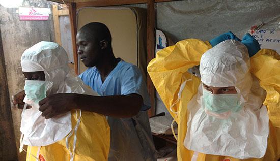 20141009_ebola_personal_sanitari_africa