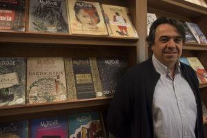 Imatge de Martí Domínguez al seu despatx.