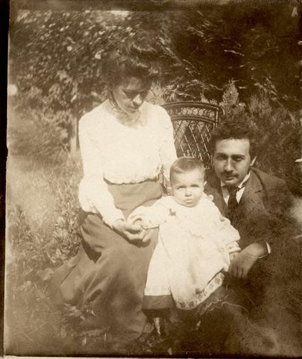 Marić i Einstein amb el seu fill Hans