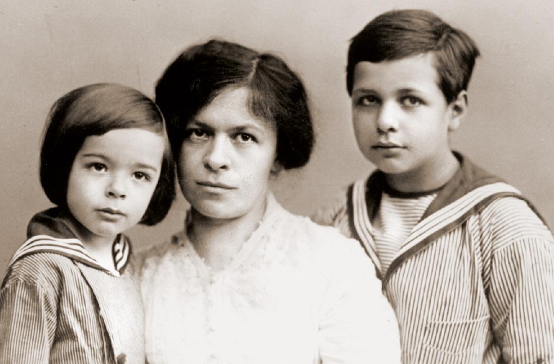 Mileva Marić amb els dos fills que va tenir amb Albert Einstein
