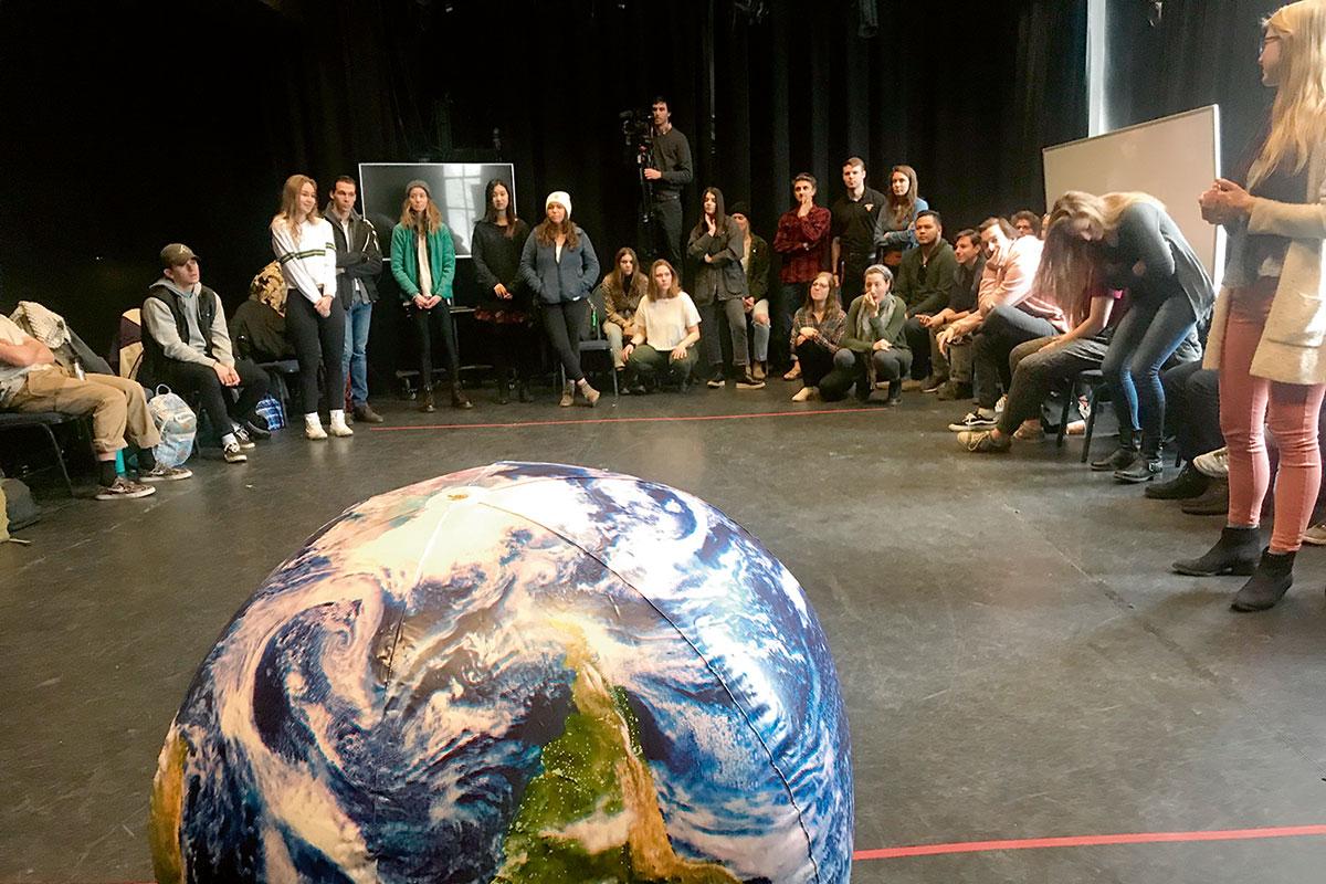 estudiants universitat comunicacions climàtiques creatives