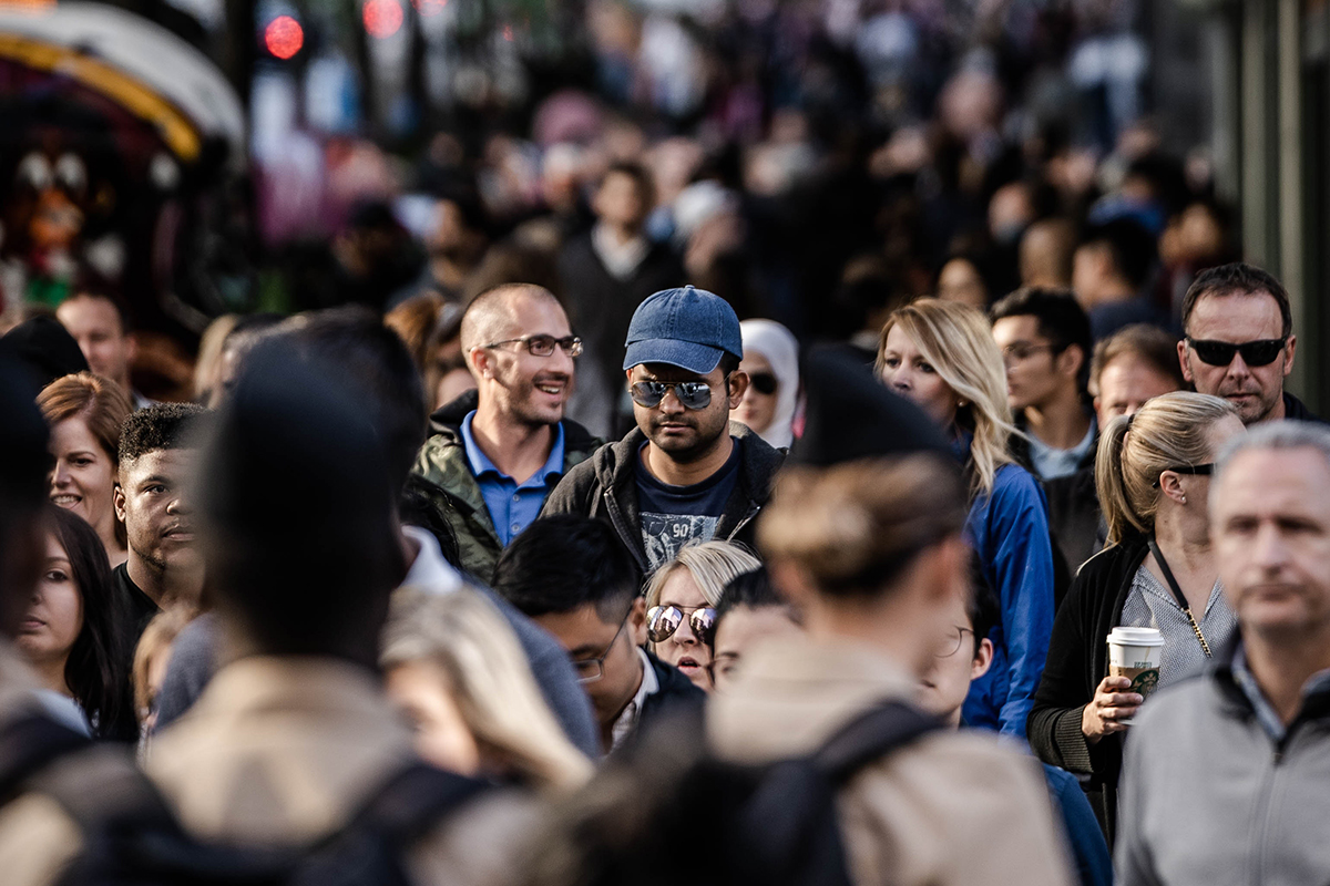 pandemia multitud persones ciutat
