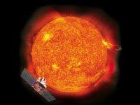 Satèl·lit SOHO al costat del Sol